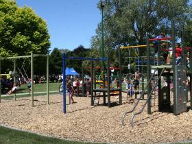 Flaxmere Park Playground