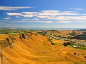 Enjoy a 360° view of the region from Te Mata Peak