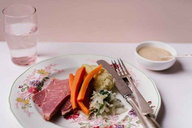 Corned Beef, mash, cabbage and carrots