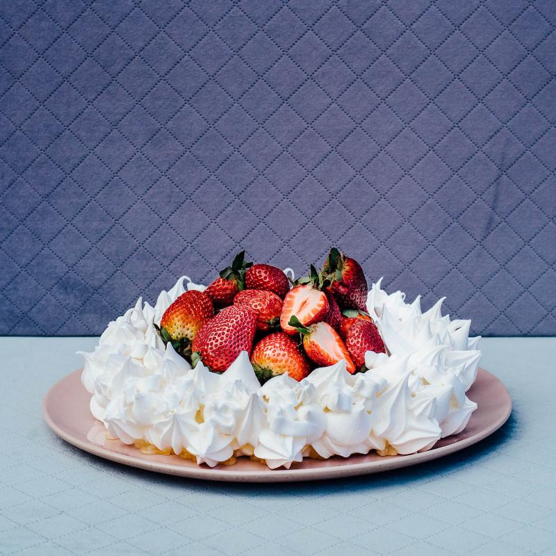 Naked Pavlova Wreath